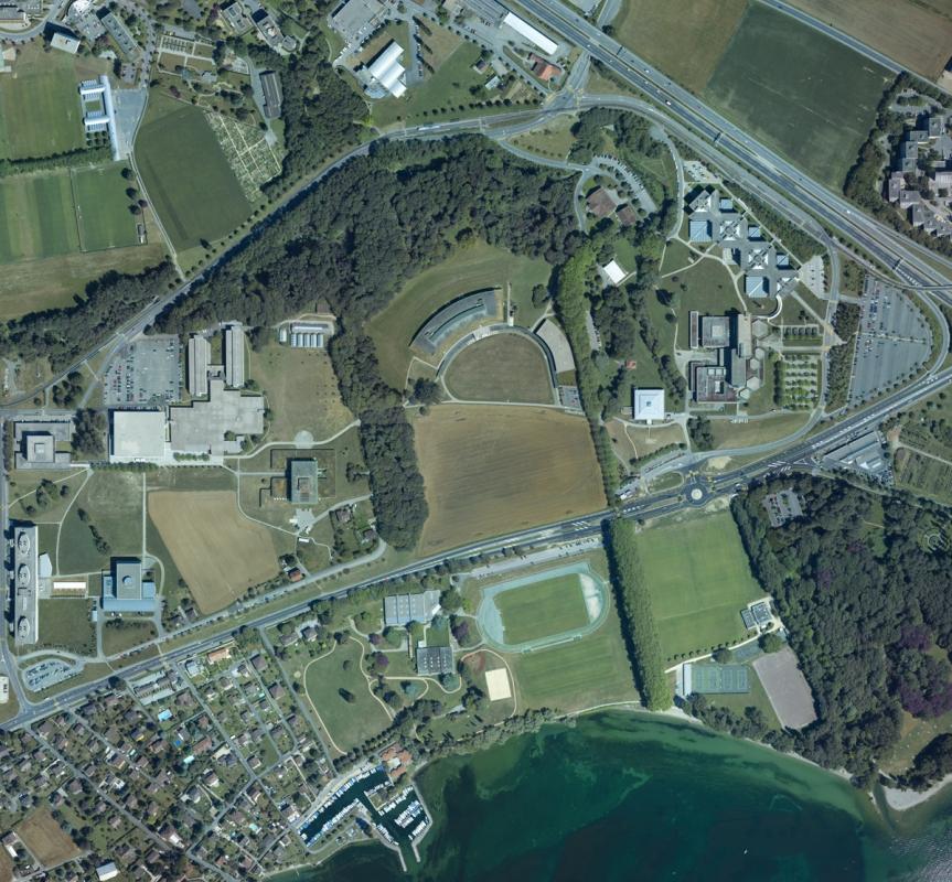 Vue aérienne du site de Dorigny, juillet 2004. (Alain Herzog © UNIL)